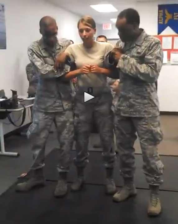 soldatin gefickt sex hart
